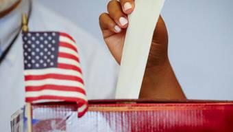 """Die Vorwahlen im Rennen um die Präsidentschaftskandidatur der US-Demokraten am """"Super Tuesday"""" haben begonnen. (Symbolbild)"""
