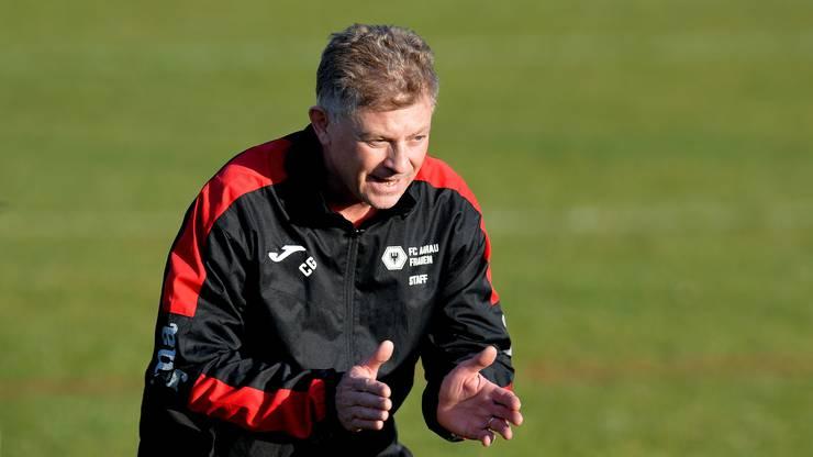 Charly Grütter, Trainer der FC Aarau Frauen zeigt Leidenschaft für seine Mannschaft.