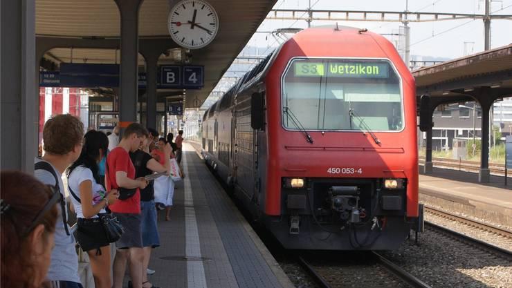 Die Park-'n'-Ride-Anlage beim Bahnhof Schlieren wird wohl nicht ersetzt (Archivbild).