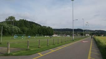 Der FC Muhen will sein Fussballfeld vergrössern. Gegen das Projekt wurde ein Referendum ergriffen. Archiv