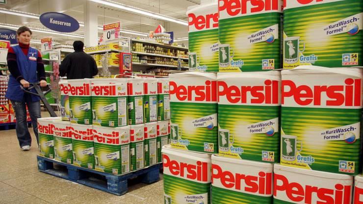 Henkel - der Hersteller von Schwarzkopf, Pritt und Persil - kämpft mit Problemen im Kosmetikgeschäft und dem Abschwung bei wichtigen Kunden seiner Klebstoffsparte wie der Automobilindustrie. (Symbolbild)