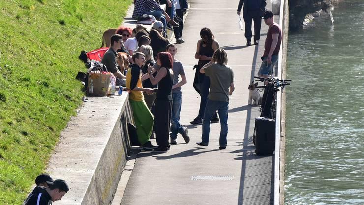 Der Ländiweg wird von unterschiedlichem Publikum frequentiert, was derzeit hoch problematisch ist..
