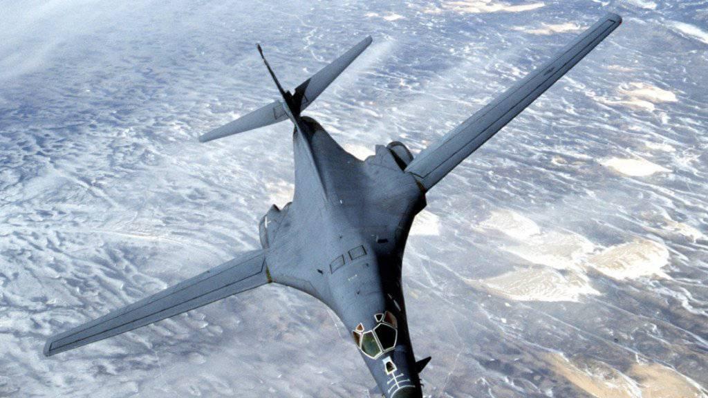 Säbelrasseln in der Luft: Die USA fliegen mit zwei US-Bombern des Typs B-1B Lancer an die Grenze zu Nordkorea. (Archivbild)
