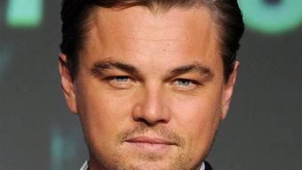 Leonardo DiCaprio wird von einer Frau verfolgt