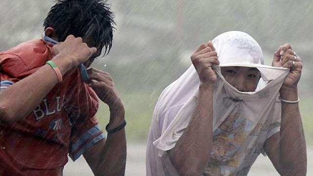 Flucht vor dem Taifun im Norden der Philippinen