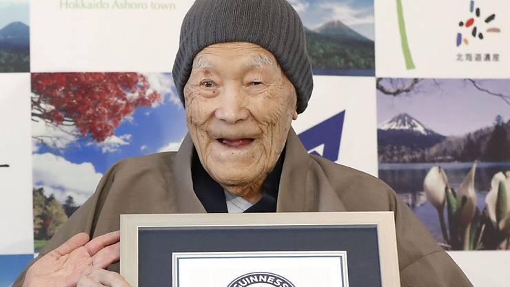 Masazo Nonaka, der älteste Mann der Welt, ist im Alter von 113 Jahren gestorben. Im April 2018 war er vom Guiness-Buch der Rekorde mit einem Zertifikat bedacht worden, dass ihn als ältester Mann der Welt anerkannte. (Archivbild)