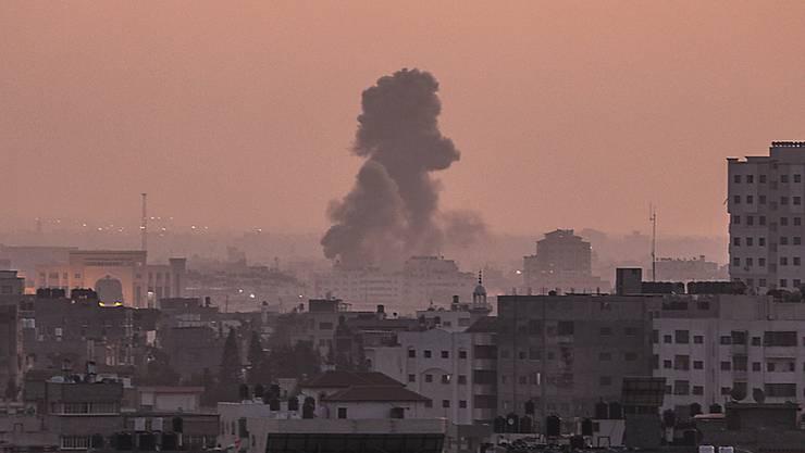 Israels Luftwaffe griff erneut Ziele im Gasastreifen an. (Symbolbild)