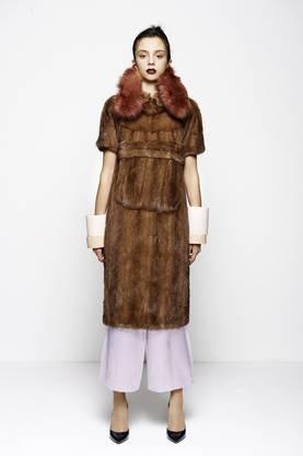 Inspiriert von ihrer italienischen Grossmutter: In Mailand wird Laura Farinacci dieses und zwei weitere elegante Outfits tragen.