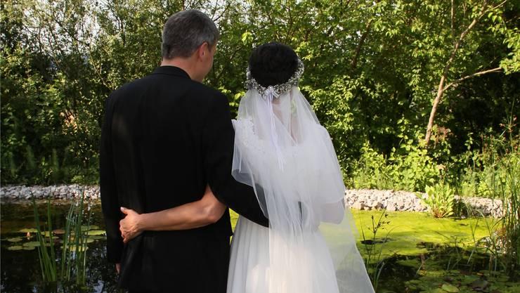 Im Juni heirateten die Ex-Katholiken Kilian und Natascha Karrer an einem reformierten Gottesdienst. Markus Tasser