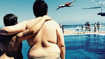 Schlechte Ernährung und zu viel Stress: Die Zahl der übergewichtigen Jugendlichen nimmt zu.