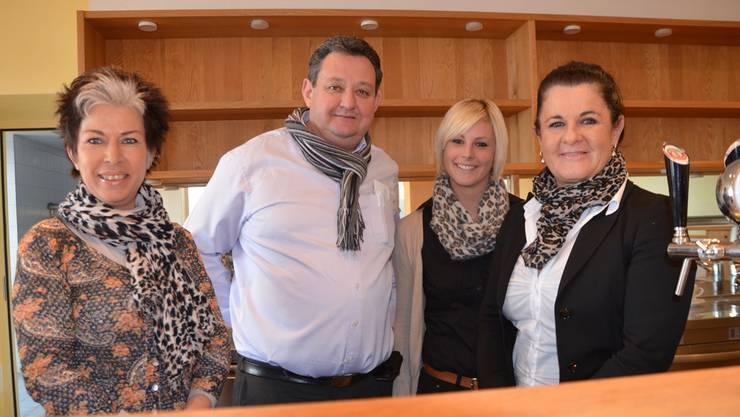 Das «Tiefmatt»-Team (v.l.): Monika Meier (Gastgeberin), Ueli Wietlisbach(Chefkoch), Manuela Salzmann (Chef de Service) und MarliseStuder (Geschäftsführerin).