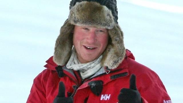 Zwei Jahre später unternahm er eine 335-Kilometer-Expedition mit drei Teams von verwundeten Soldaten zum Südpol. Die Aktionen spielten Geld für Veteranen-Organisationen ein.