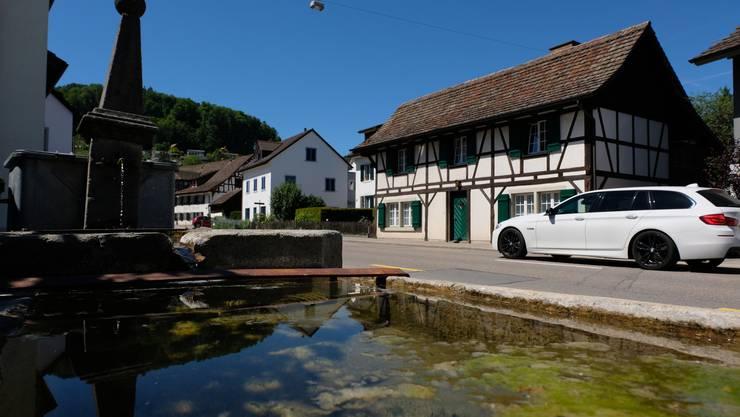 Kommen mit der neuen Strassenraumgestaltung noch besser zur Geltung: die verschiedenen Brunnen in Weiningen