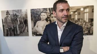Unternehmer Guido Fluri steht massgeblich hinter der Wiedergutmachungs-Initiative, die eine Entschädigung für die Opfer fürsorgerischer Zwangsmassnamen fordert. Er hofft, dass der Gegenvorschlag des Bunderates durchkommt. (Archivbild)