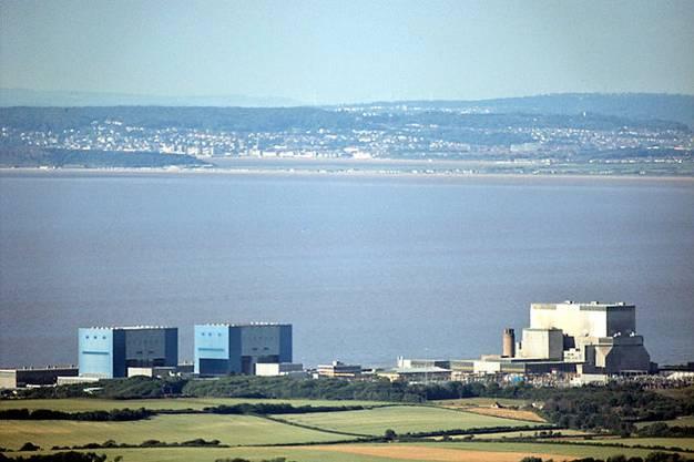 Zu den bereits bestehenden Kraftwerken in Hinkley Point will die britische Regierung zwei neue Reaktoren hinzufügen.