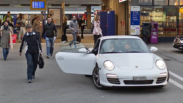 Der Bund will Autofahrern das Pendeln in grösseren Fahrgemeinschaften beliebt machen. (Archivbild)