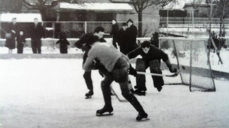 Der EHC Schlieren wurde 1941 gegründet. Ab 1955 trainierte er auf dem Hartplatz der Turnanlage Moos aus.