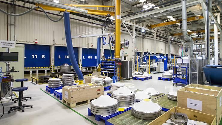 Das Wirtschaftswachstum in der Schweiz profitiert vom weiterhin gut laufenden Exportgeschäft, etwa in der Maschinenindustrie. (Symbolbild)
