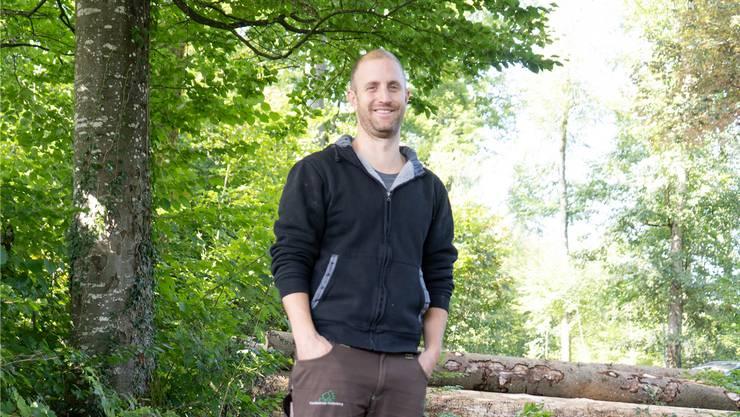 Matthias Bruder im Forst von Dintikon. Er ist Sprössling einer «Försterdynastie».