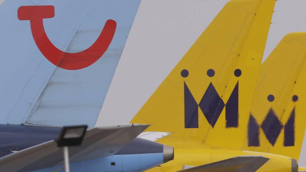 Der Reisekonzern Tui hofft wegen des bevorstehenden Brexits auf eine Regelung der Flugrechte in letzter Minute. Andernfalls muss er um den Betrieb seiner Airlines Tui Airways und Tuifly fürchten. (Archiv)