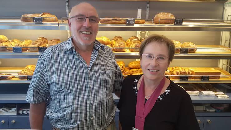 Peter und Ruth Bürgi in ihrer Bäckerei-Konditorei in Lengnau.