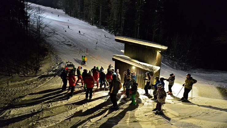 Seit letztem Jahr (Foto) kann man auf dem Grenchenberg Nachtskifahren. Vorerst hat es aber nicht genug Schnee.
