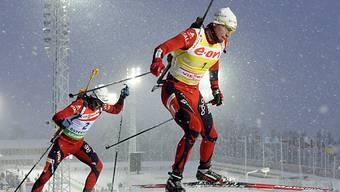 Emil Helge Svendsen (r.) siegte vor Landsmann Ole Einar Björndalen