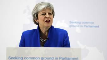 Die britische Premierministerin Theresa May muss wegen ihrer neusten Brexitpläne einmal mehr harsche Kritik einstecken. (Archiv)