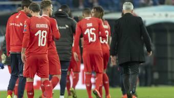 Ein enttäuschendes Ende: Vladimir Petkovic (rechts) und seine Spieler nach dem 3:3 gegen Dänemark