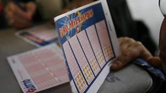 Bei der nächsten Ziehung warten 19 Millionen Franken im Jackpot. (Archiv)