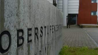 In einem Büro des Oberstufenzentrums Derendingen-Luterbach empfing der Sozialpädagoge Schülerinnen und Schüler.