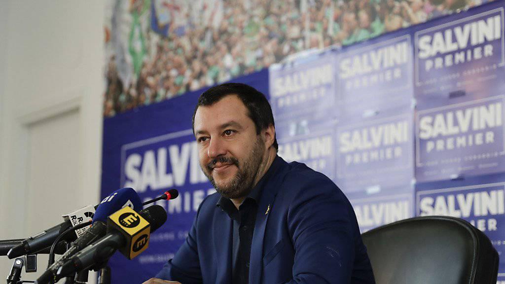 Die Lega Nord will das «Nord» aus dem Emblem streichen und eine nationale Partei werden. Lega-Chef Matteo Salvini will verstärkt im südlichen Italien Fuss fassen. (Archivbild)