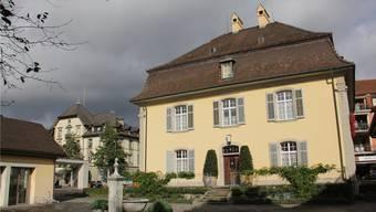 Die Finanzen der Einwohnergemeinde Brugg, im Bild ist das Stadthaus zu sehen, geraten laut Prognose nächstes Jahr langsam in Schieflage.