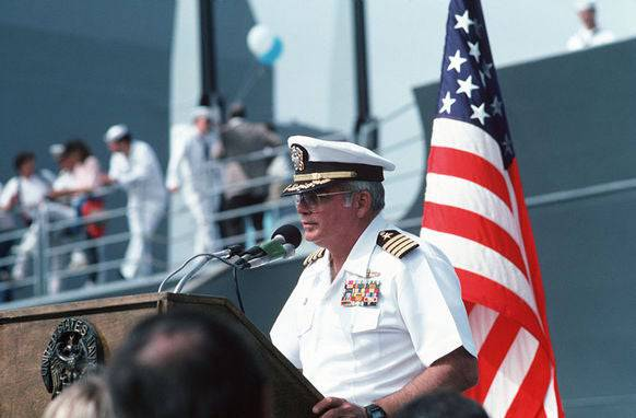 Kapitän William Rogers spricht bei der Rückkehr in den Heimathafen San Diego.