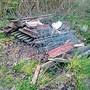 Im Wald fanden Mitarbeiter des Forstdienstes einen Zaun.