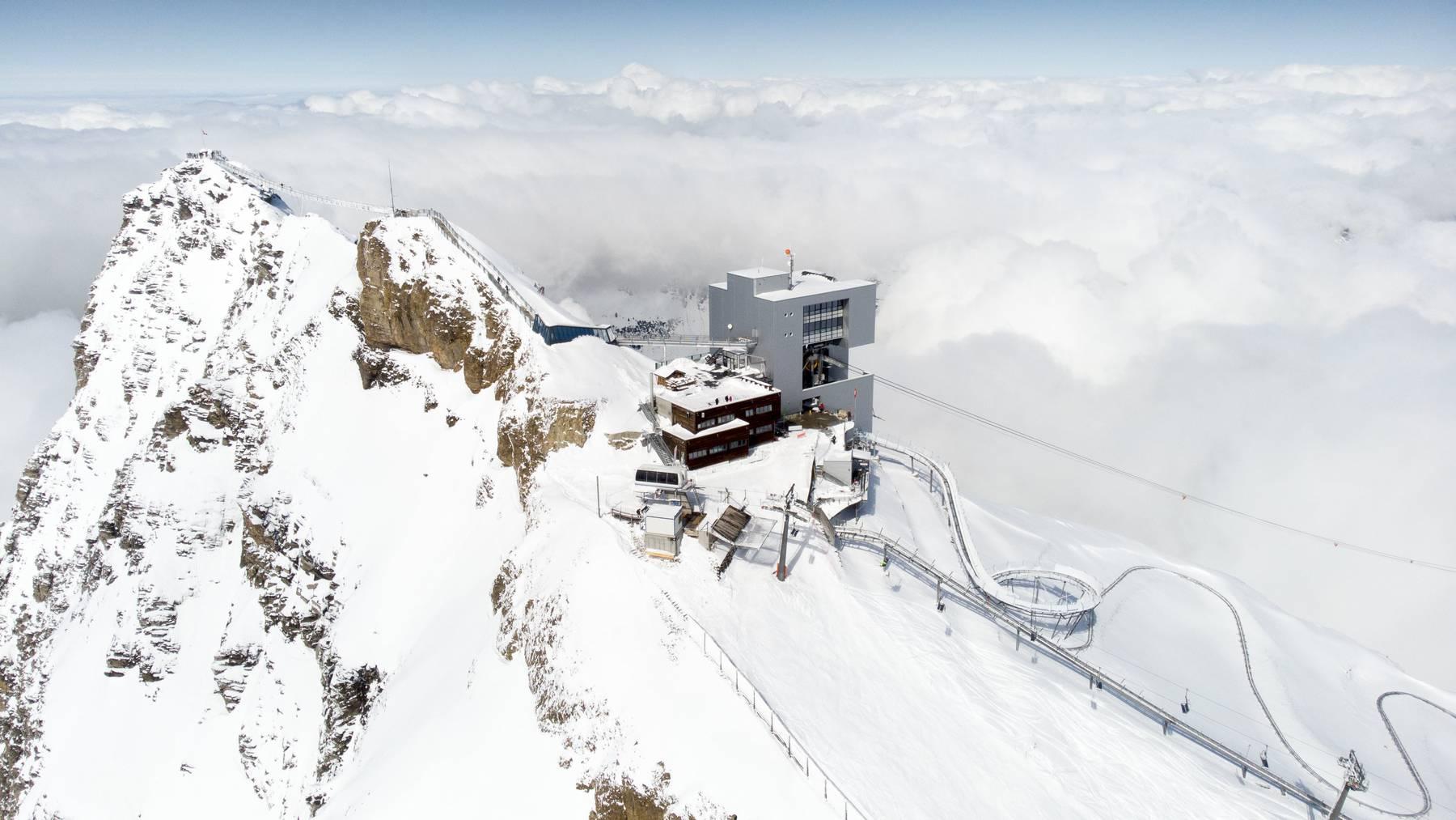 Im Waadtländer Skigebiet Glacier 3000 ist am Sonntag ein Mann tödlich verunglückt. (Symbolbild)