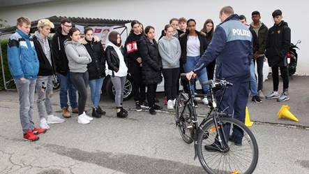 Die Polizei erklärt ein funktionstüchtiges Fahrrad