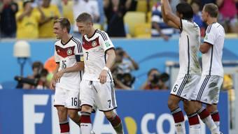 Captain und Vize gehen voran: Philipp Lahm (li) und Bastian Schweinsteiger