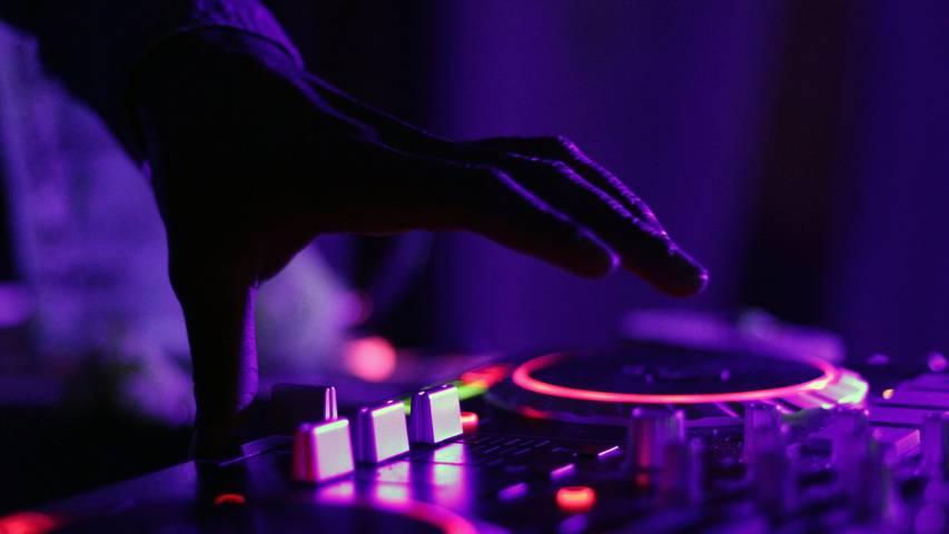 FridayNite Summer Edition - deine Chance als Nachwuchsmusiker!🎵