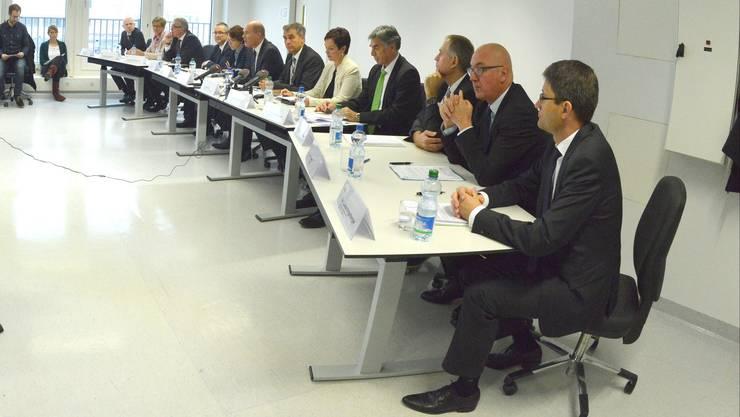 Bei der Sitzung zur Partnerschafts-Vereinbarung sind die Regierungen von Baselland und Basel-Stadt vereint: Ein historisches Ereignis. (Archivbild)