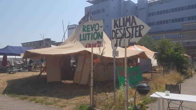 Die Aktivisten des Climate Camps fordern einen grundlegenden Richtungswechsel in der Umwelt- und Sozialpolitik.
