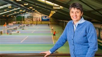 Monica De Lenart und «ihre» Tennishalle Derendingen.