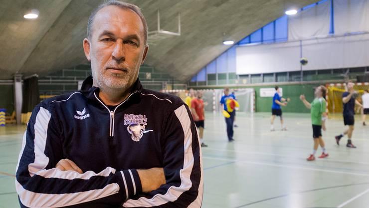 Jugend auf dem Feld, Erfahrung an der Linie: An Zlatko Portner liegt es, die Spielgemeinschaft zu einer schlagkräftigen NLB-Equipe zu formen.