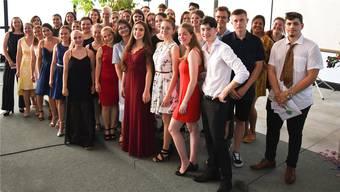 Erfolgreich: Die Absolventen und Absolventinnen der 3. FMS-Klassen und die der Fachmatur Gesundheit / Fachmatur für Soziale Arbeit. zvg