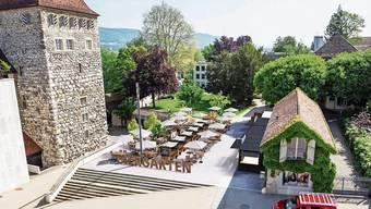 Jeweils den Sommer lang 168 Sitzplätze: So stellte sich die Kino Aarau AG im Dezember 2019 ihren Biergarten vor. Rechts der Container mit Buffet, Küche und Lager.