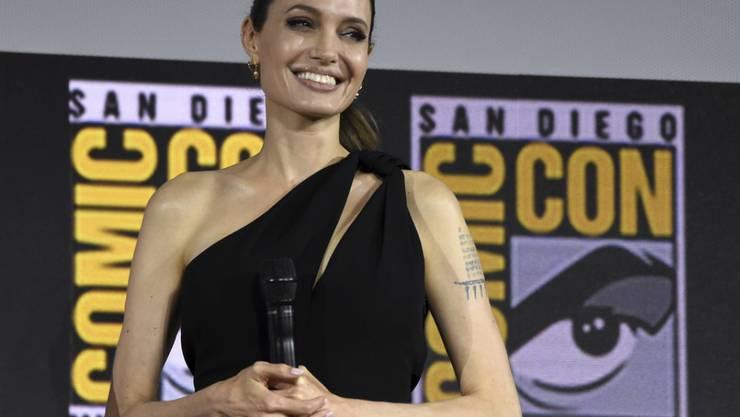US-Schauspielerin Angelina Jolie will, dass ihre drei Töchter einen eigenen Verstand entwickeln. Sie erzieht sie zu selbstständigem Denken statt Modebewusstsein. (Archivbild)