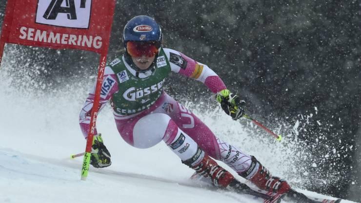 Mikaela Shiffrin bekundet mit den schwierigen Bedingungen im ersten Lauf am wenigsten Probleme