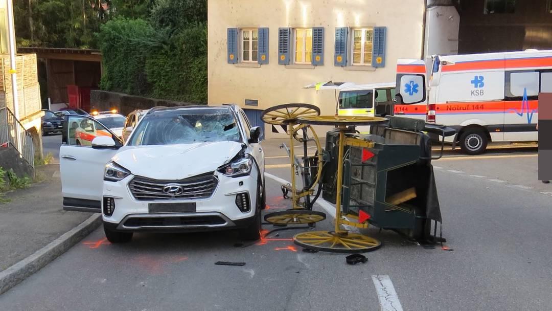 Kutschenunfall in Böttstein: Pferde gehen auf der Hauptstrasse durch