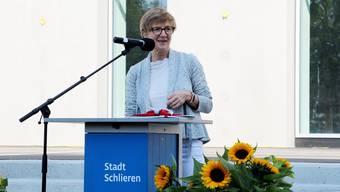 Die Schlieremer Finanzvorsteherin Manuela Stiefel erhält Support aus der Wirtschaft.