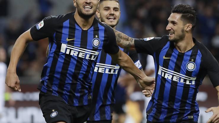 Mauro Icardi (links) war mit einem Tor und einer Vorlage der Matchwinner beim 2:1-Sieg von Inter Mailand gegen die Fiorentina